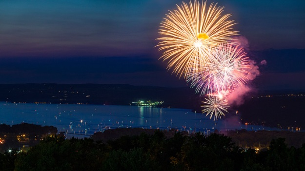 2012 Fireworks at Stewart Park. Amazing photo by Adam Baker. adambakerphoto.com